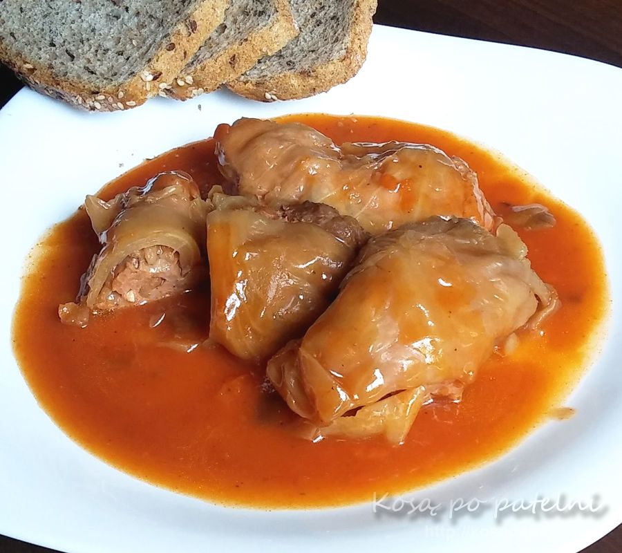 Gołąbki w kapuście z mięsem i ryżem